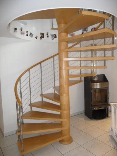 Hervorragend Wendeltreppen vom Treppenbauer einbauen lassen KT88